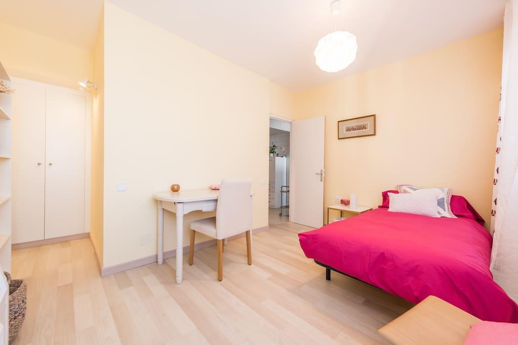 near nuevos ministerios bed and breakfasts en alquiler en madrid comunidad de madrid espa a. Black Bedroom Furniture Sets. Home Design Ideas