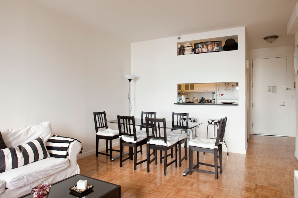 Stunning apt with downtown views!