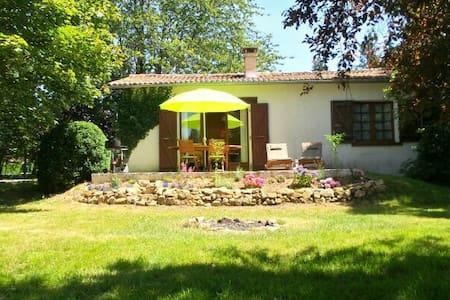 Ferienhaus-im-Limousin.de - Saint-Mathieu