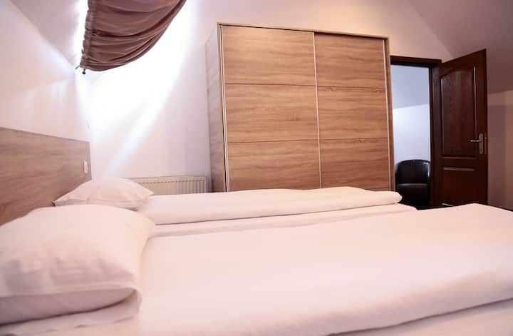 Hotel Apollonia Family Room