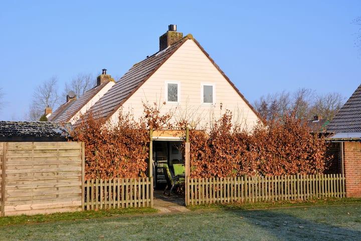 Comfortabel vakantiehuis in Zuid-Holland aan de kust