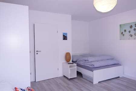 Apartment-KA für 2 (+2 Kids) in Karlsruhe - คาร์ลสรูห์ - อพาร์ทเมนท์