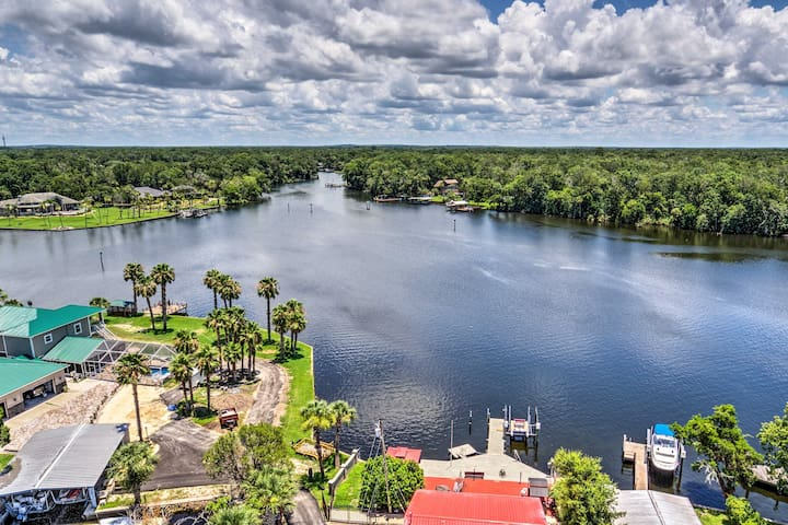 Homosassa River Home w/ Private Boat Ramp & Kayaks