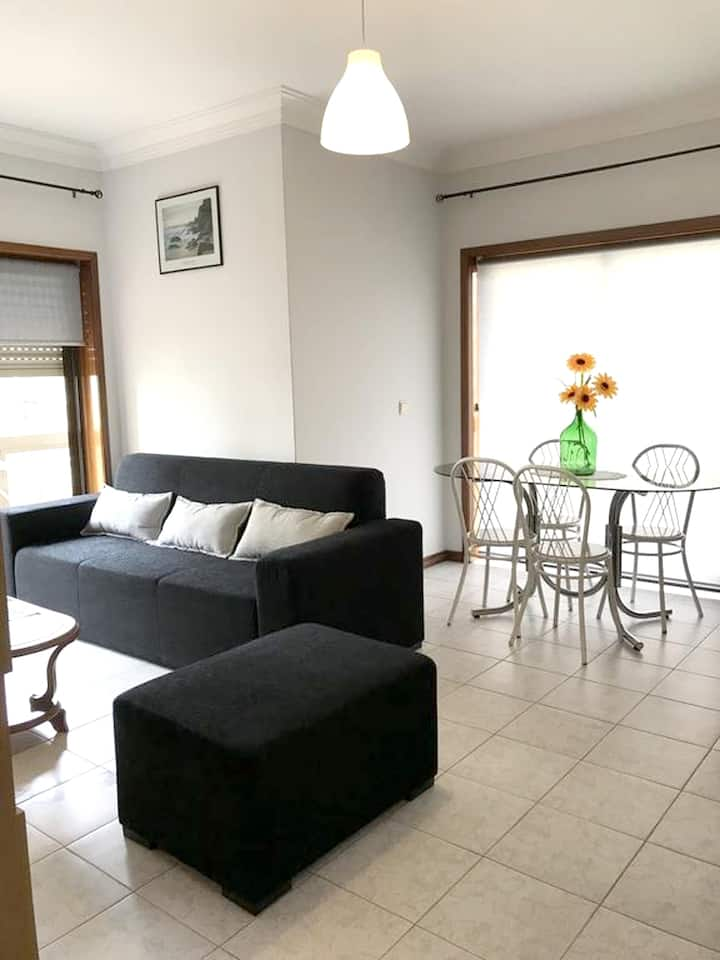 Apartment with 2 bedrooms in Viana do Castelo, with wonderful sea view, balcony and WiFi - 150 m from the beach