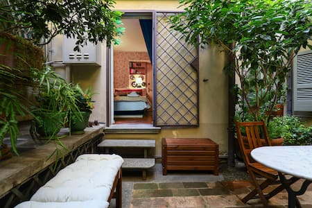 Charming tiny cozy studio with terrace  in Brera