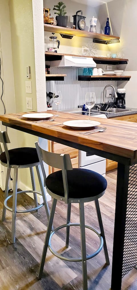 CABIN 14  Cozy Rustic-Luxury A-FRAME w/ Kitchen