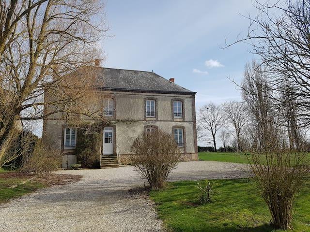 Belle demeure à proximité de Chartres