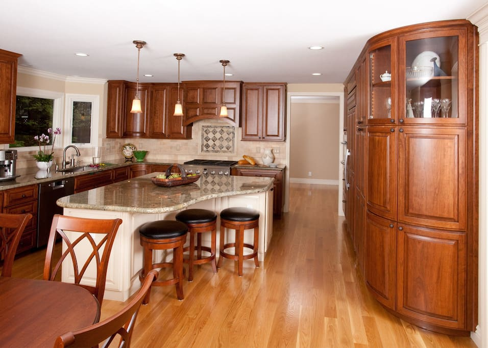 Lots of space to cook and enjoy a good meal.