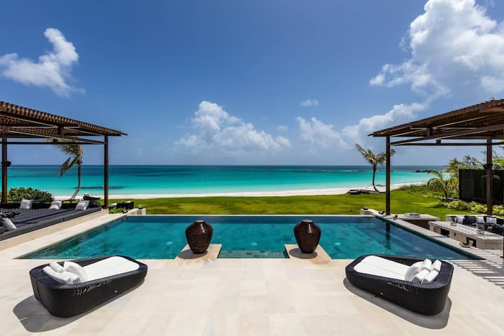 Ultra-Luxury pink sand Beachfront Estate, Htd Pool