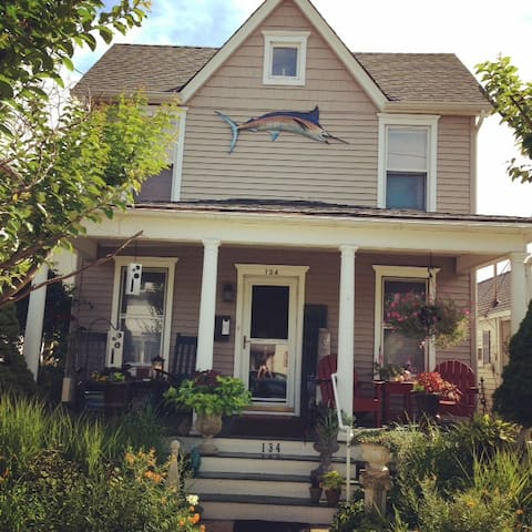 Charming Ocean Grove Beach Getaway