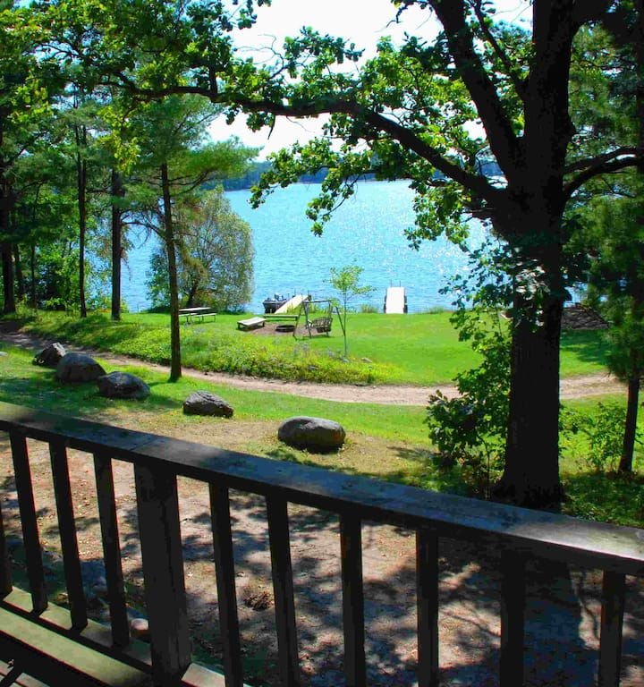 Lakeview Cabin, 100' from beach, 4 Queens, kayaks