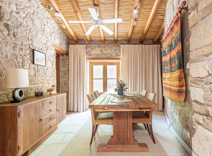 The Carob Tree Villa - 3 BR Rustic Luxury Home