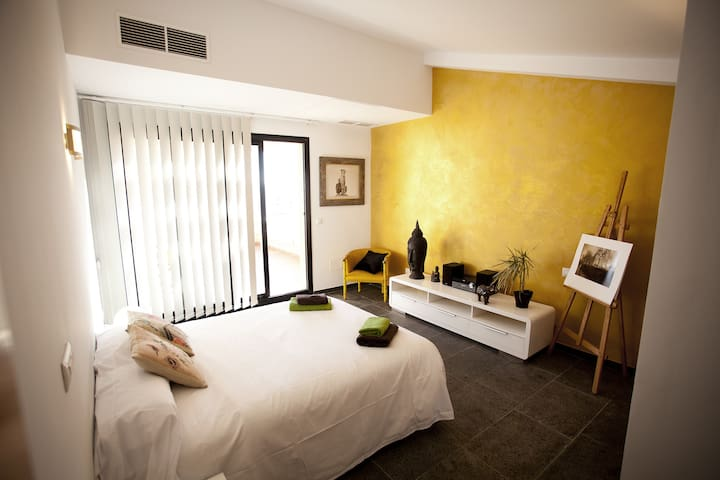Double room with bathroom and terra - Ciudadela de Menorca - บ้าน