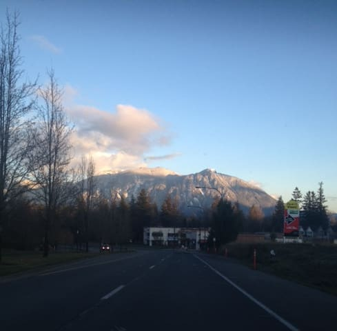 Join us in beautiful Snoqualmie! - Snoqualmie