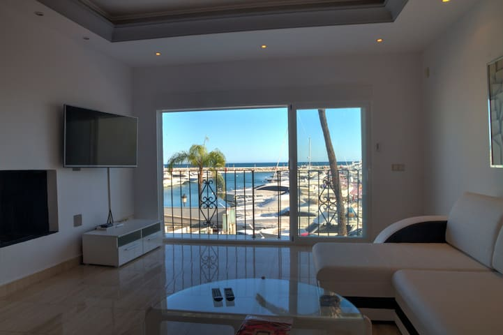 Puerto banus first line 1 bed with great sea views - Marbella - Wohnung