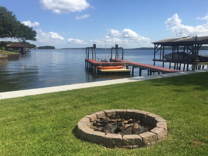 Waterfront on beautiful Lake Palestine