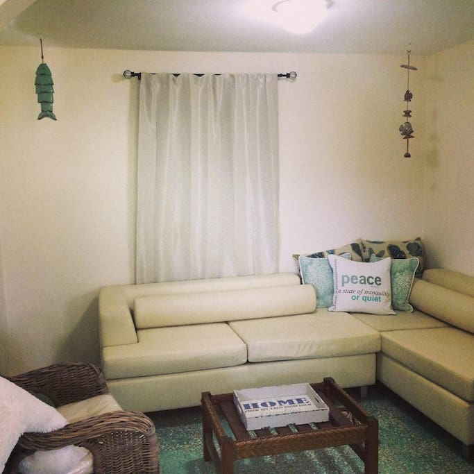 Living Room - With Flat Screen Cable TV - WIFI & Sofa Beds
