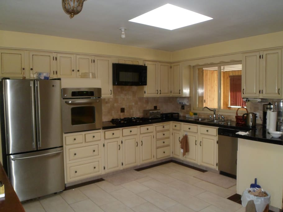 Fully equipped open concept Kitchen