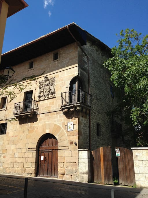Historic house in basque country houses for rent in for Spanish country houses