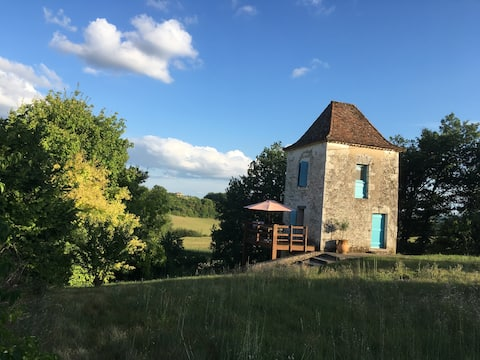Secluded tower in deep country - Dordogne border