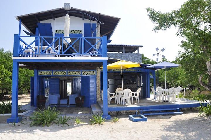 Baru Beach House w 80m private white sand Beach!