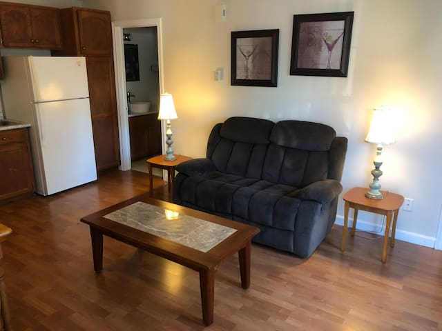 Downtown 1 Bedroom Apartment Private Moncton