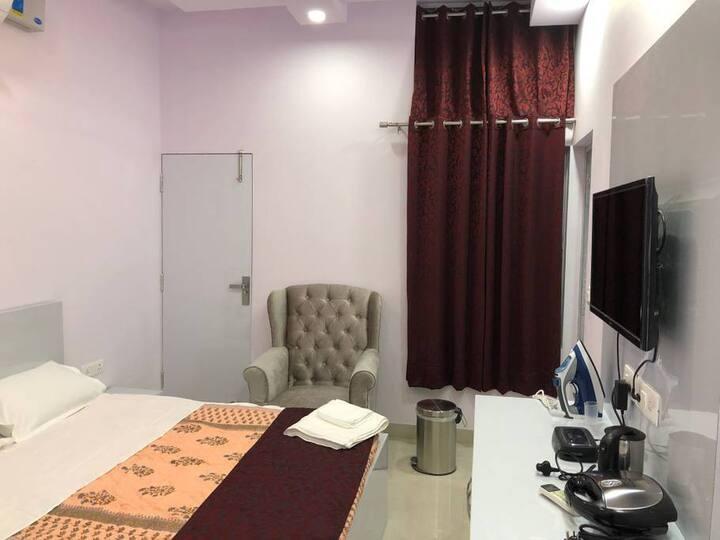 Affordable New Delhi  Apartments Unit 9