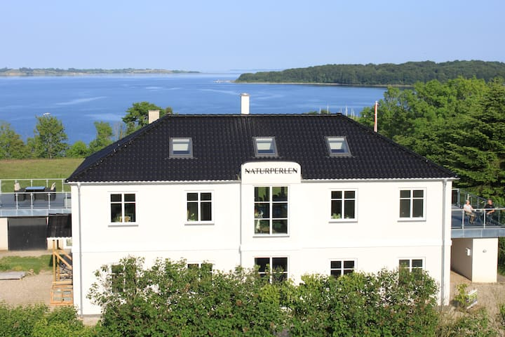 Romantik apartment with sea view (Hemsen) - Rødekro - Appartement