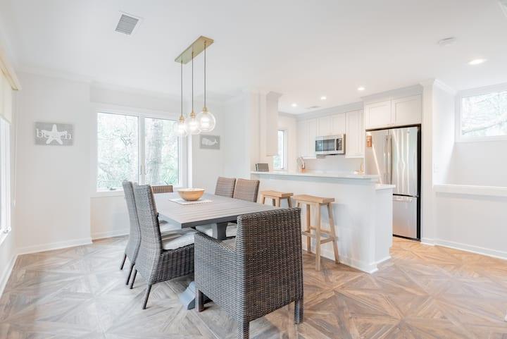 New to rental market!  Spacious three bedroom villa near Cougar Point