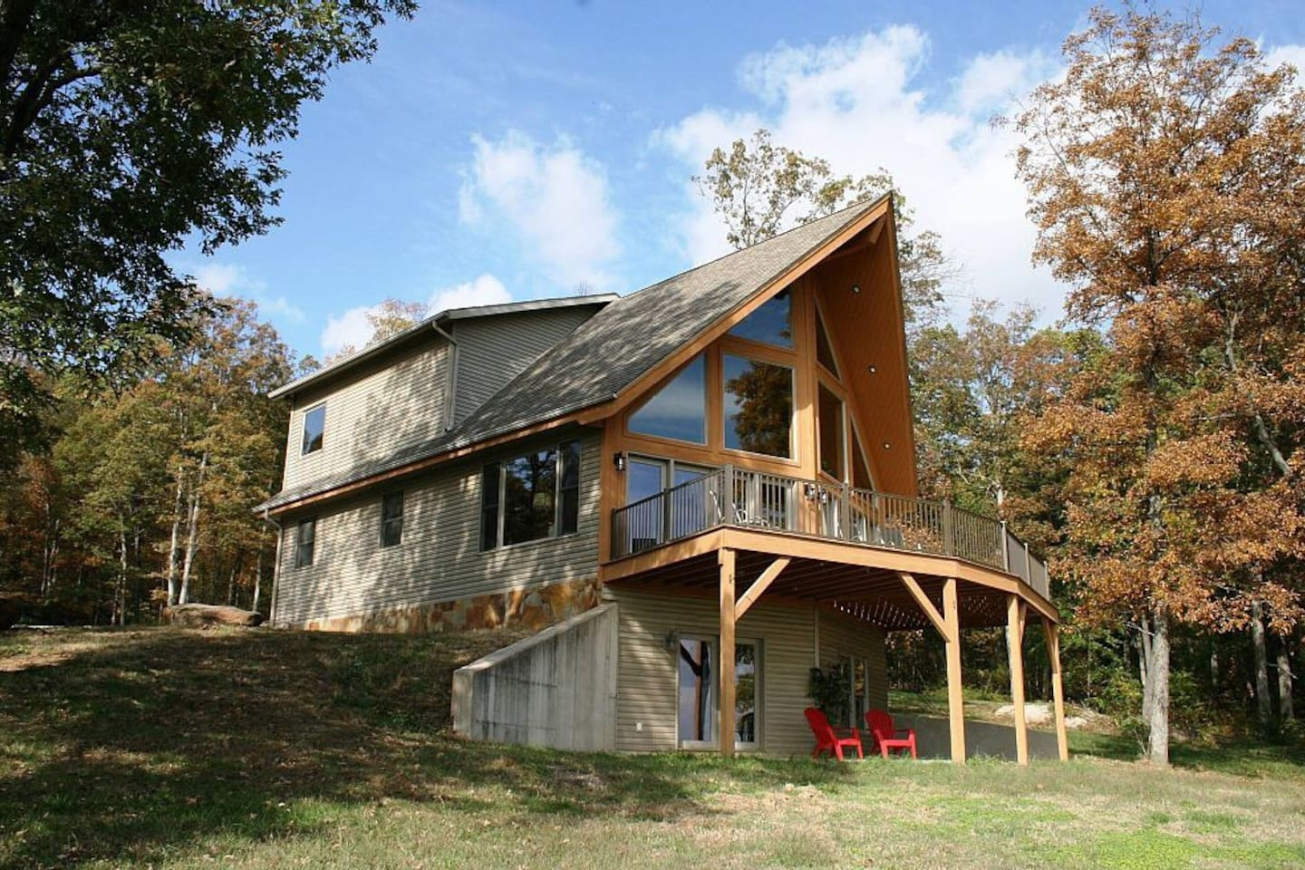 This fabulous home is your retreat from the hustle and bustle!