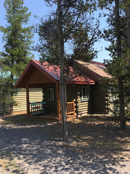 Ol 39 cabin no 12 cabins for rent in west yellowstone for Yellowstone cabins west yellowstone