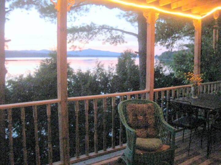 Lakefront Peace and QUIET Bungalow