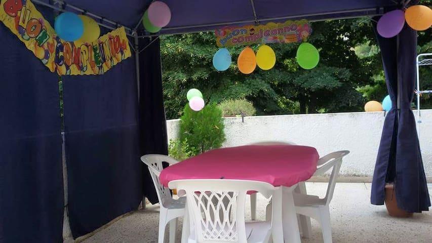 Affittasi casa singola periodo estivo - Briga - Ház