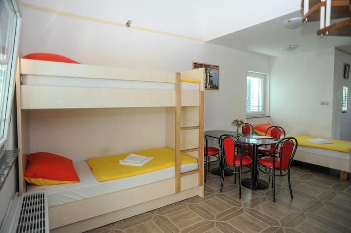 Duplex studio for 5p with pool, near Zrće(15min)