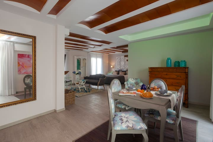 Total Marbella Adults Only Old Town Deluxe 2