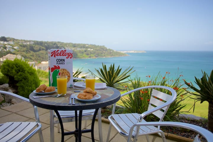 Beach View holiday apartment in Carbis Bay