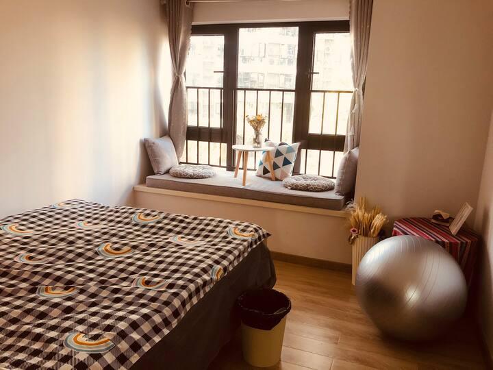 望城铜官窑交通便利设施齐全的整套住房房间自带健身房和瑜伽馆