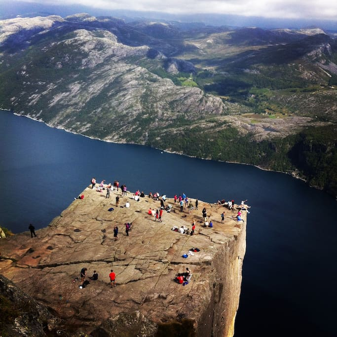 Prekestolen/The pulpit rock: One of the most famous hikes in Norway