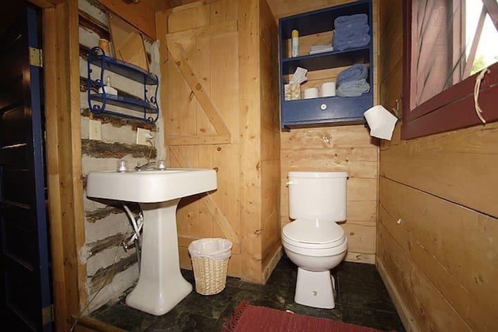 Ranch Log Cabin Near Yellowstone - Ririe - Cabana
