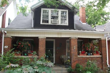 Comfortable Century Home  - Brantford - Casa
