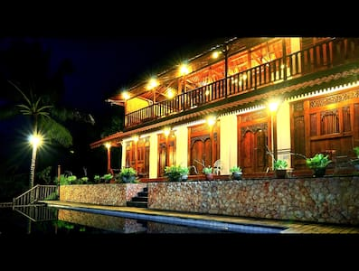 4 Br - Limasan Villa with Sea View - Lombok, Indonesia