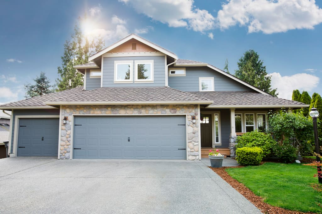 Custom Craftsman Home is in a prime location for access to the Washington State Fair, Sounder Station, Mount Rainier, Seattle & Tacoma.