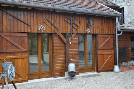 studio meublé dans propriété - Nesle-le-Repons - Loteng