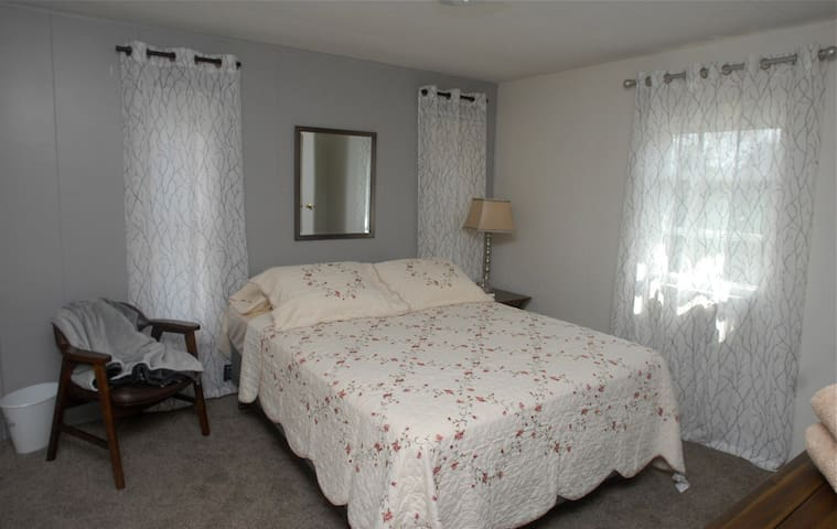 Private room At GRAMMY,S SLEEPING ROOMS - Beckley - House