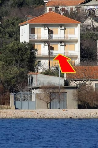 Two bedroom apartment with balcony and sea view Vinišće, Trogir (A-1165-a) - Vinišće - Pis