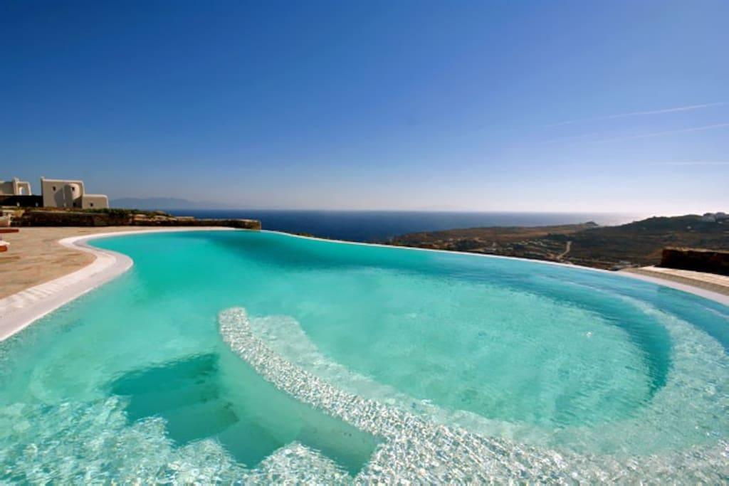 Super Paradise One Pool