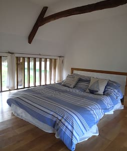 The Linhay, stay in a grade 2* listed cottage - Copplestone - Andere