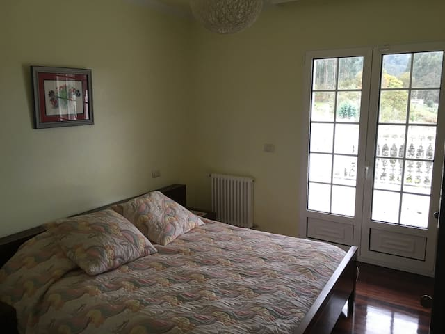el dormitorio verde