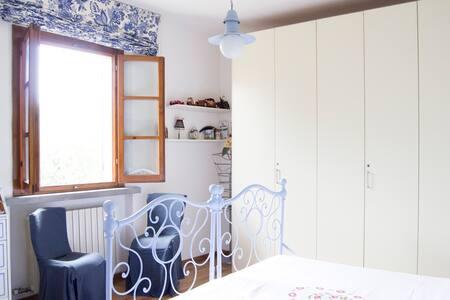 camera con bagno campagna toscana - San Miniato - Bed & Breakfast