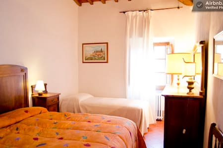 B&B 18kmfrom Florence-Triplebedroom - Rignano sull'Arno